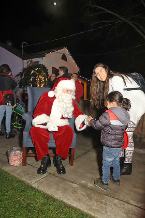 12-08-19-Christmas With Chris & Family-19