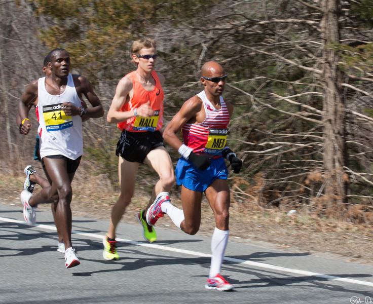 Leaders at Mile 4