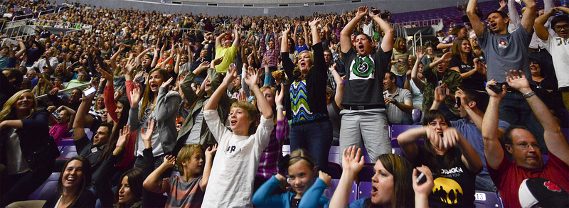 People amuse themselves by doing the wave before the Imagine Dragons concert. In Ogden, on October 23 2013. (Brian Wolfer Special to the Standard-Examiner)