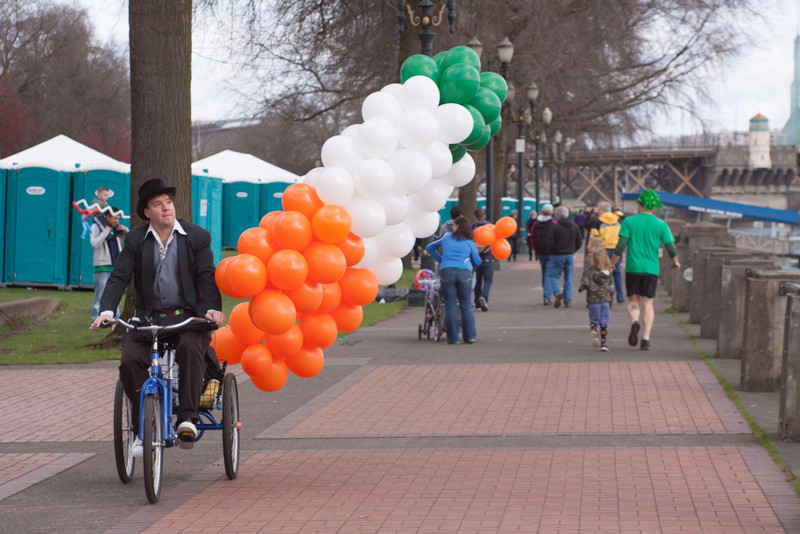 Shamrock_run_ballon_guy_2