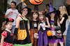Crianças em festa de Halloween