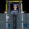 Transporte de barril com empilhadeira