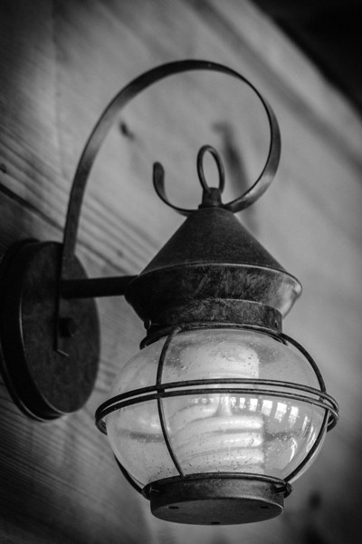 Hard not to love the vintage styled lantern!