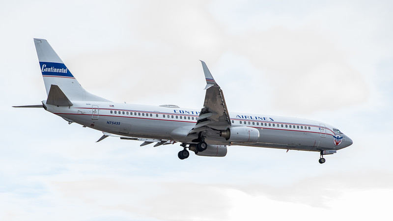 Continental Airlines 737-900