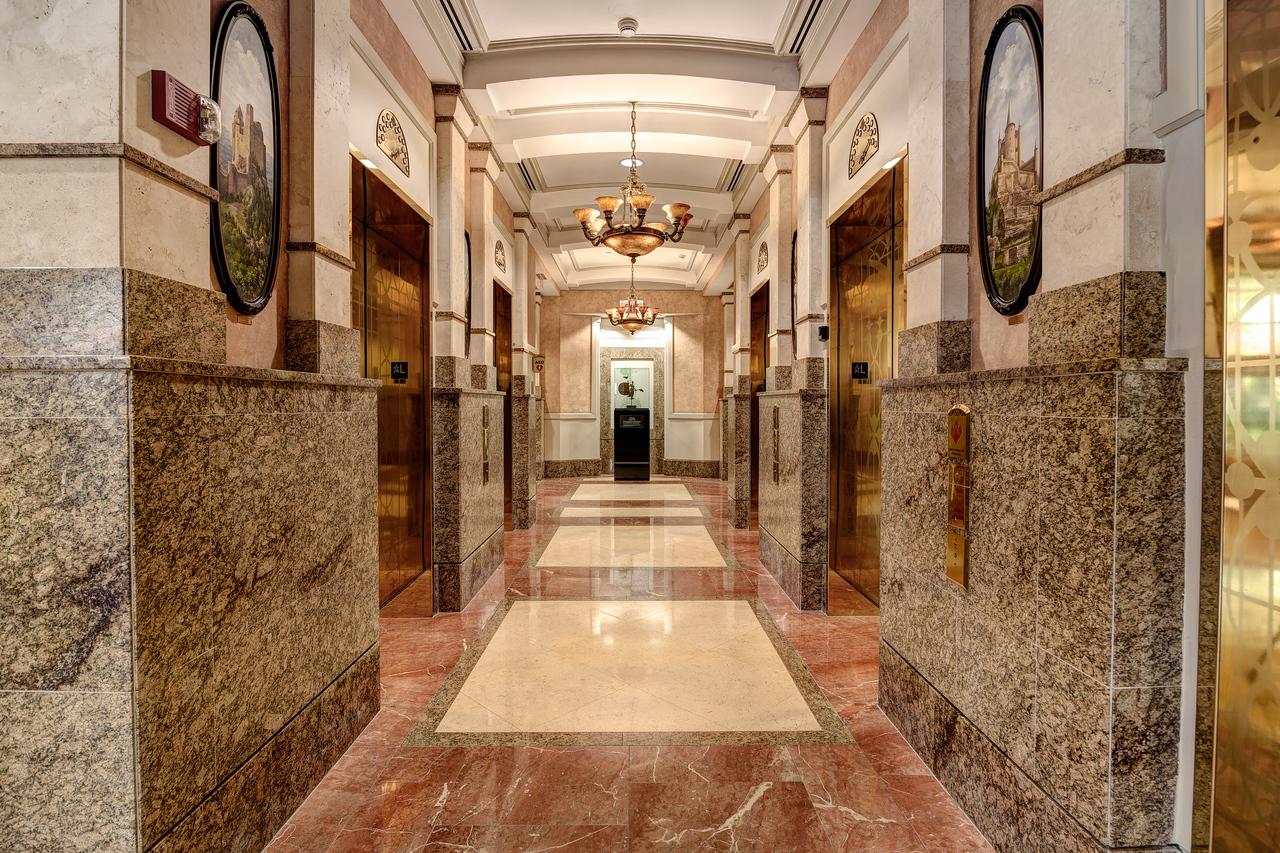 Allen Morris Company Lobby & Restaurant--9