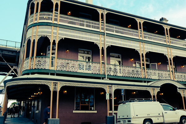 Storey Bridge Hotel