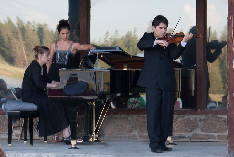 Eric Grossman, Violin and Michelle Grossman, piano