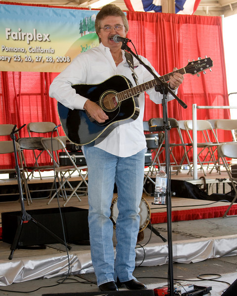 """Keith Longbotham performs at the FMCA 2008 International Motorhome Conference in Pomona, CA Feb 28, 2008. Keith was very entertaining with his country humor and song!   <a href=""""http://www.keithlongbotham.com/"""">http://www.keithlongbotham.com/</a>)"""