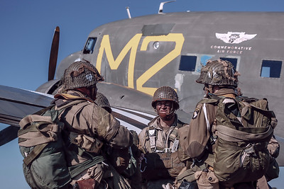 Paratroopers prepare to board aircraft for airdrop at Wings Over Dallas 2018.