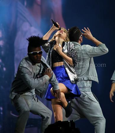 Taylor Swift - The 1989 World Tour - AT&T Stadium - Arlington, TX