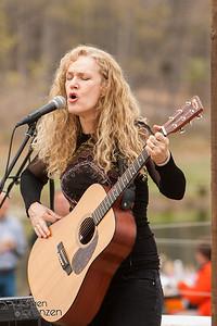 Bet Williams, Family Circus, singer songwriter, John Hodian, Jack Hodian, Afton Mountain Vineyards, Virginia, outdoor concert