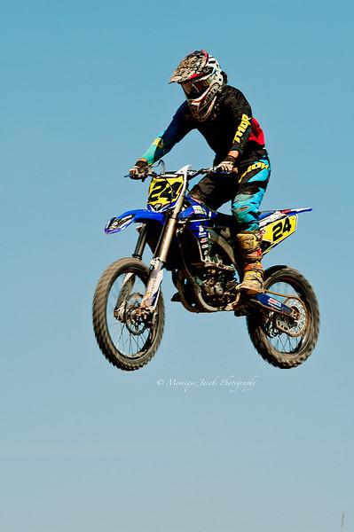 moto-x_071716_8007