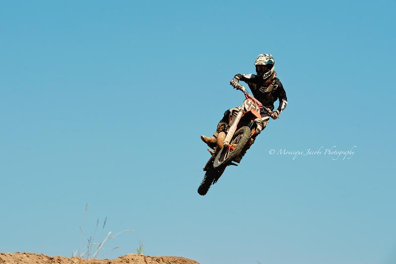 moto-x_071716_8010
