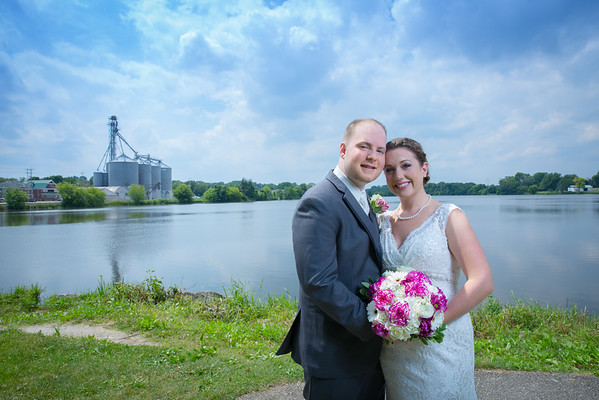 Burlington Wisconsin Wedding by Wisconsin photographer Fornear Photo