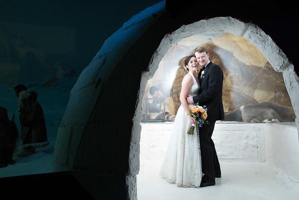 Milwaukee Public Museum Wedding by Milwaukee Photographer Fornear Photo