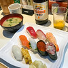 Delicious seafood lunch; Tsukiji Outer Fish Market