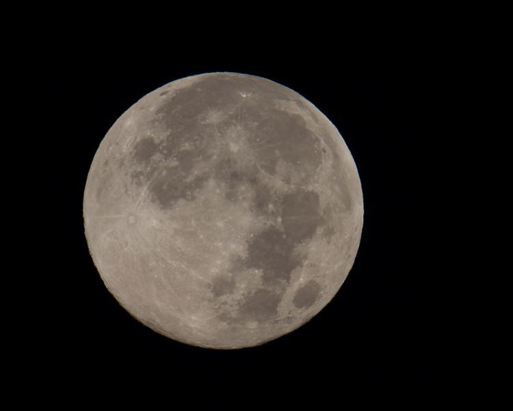 Full moon from RedRock RV Park near Island Park, ID on Sep 29 morning, 2012.