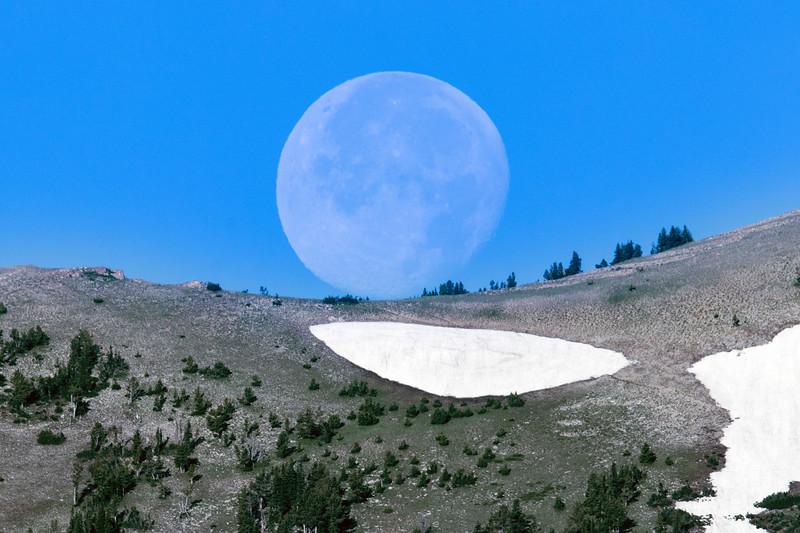 Moonset over East Centennial Mountains  July 2017