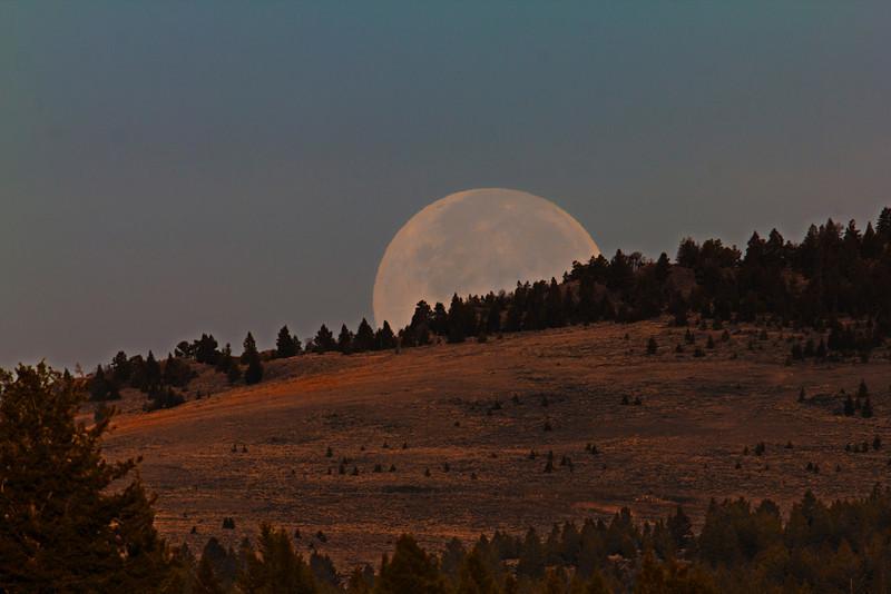 Full Moon Idaho Full Moon Setting Over Henrys