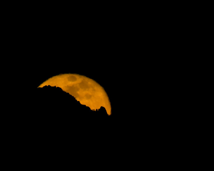 Moonrise over Palm Springs, Jan 11, 2009.