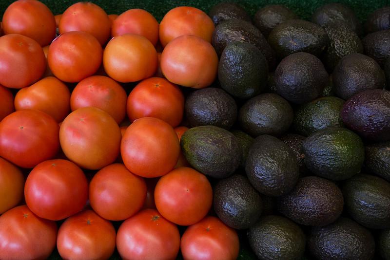 Tomatoes and Avocados at Casa de Fruta.