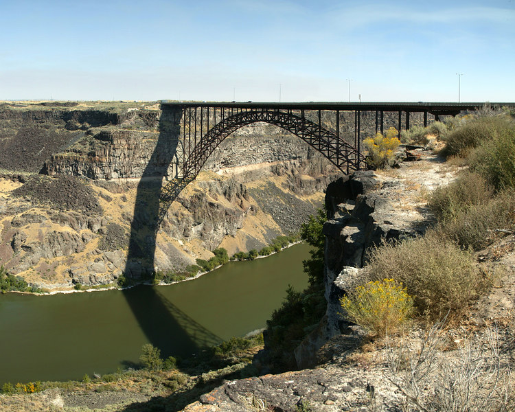 The Perrine Memorial Bridge over the Snake River Canyon marks<br /> the northern entrance to Twin Falls, Idaho. At 1500 feet in<br /> length, the longest span bridge in the United States' west stands 486 feet above the Snake River.