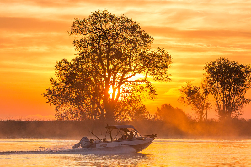 SunriseRiverBoat_168638