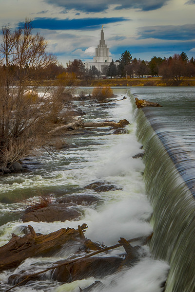 Morman Temple and Idaho Falls on the Snake River