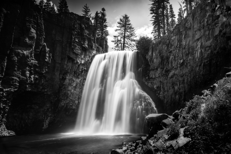 Rainbow Falls in Black & White