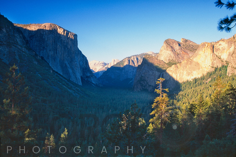 Tunnel View of the Yosemite Valley, California