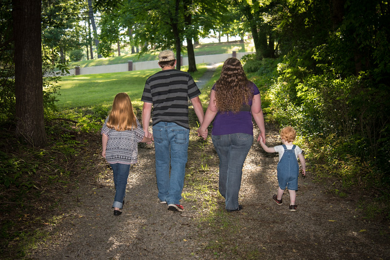 2916-05-13_Foster Family
