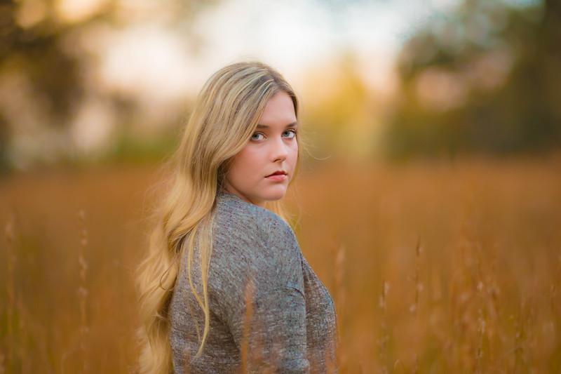 Taylor Hollingsworth_Senior Portraits