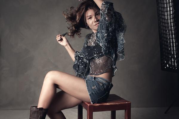 Tae - Short shorts, long sleeves