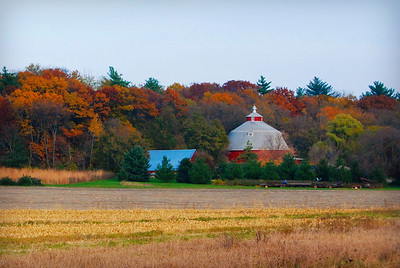 Round Red Barn, Wisconsin