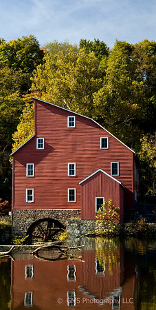 Historic red barn at Clinton, New Jersey