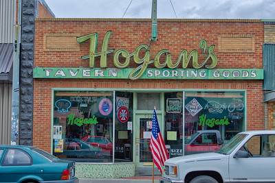Hogan's Tavern, Clarkston, Washington
