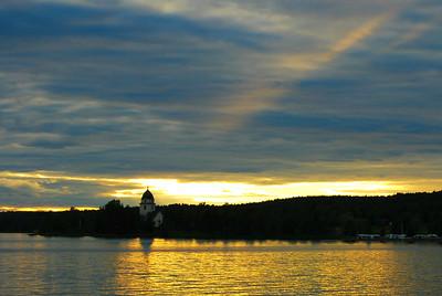 Lake Siljan's Evening Brilliance