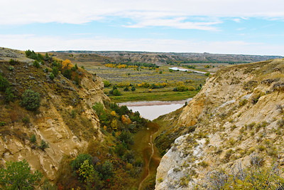 Theodore Roosevelt N.P., North, River Bend Overlook, Little Missouri River