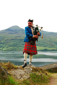 Bagpiper, Near the Skye Bridge
