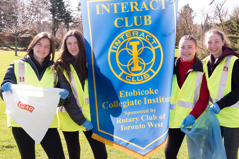 Several Interact students from Etobicoke Collegiate Institute also pitched in