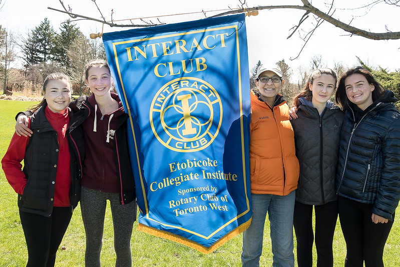 Saira (middle) flanked by Rotary Interactors from Etobicoke Collegiate Institute.