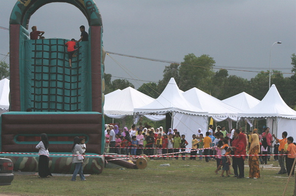 7. Also a carnival for the people