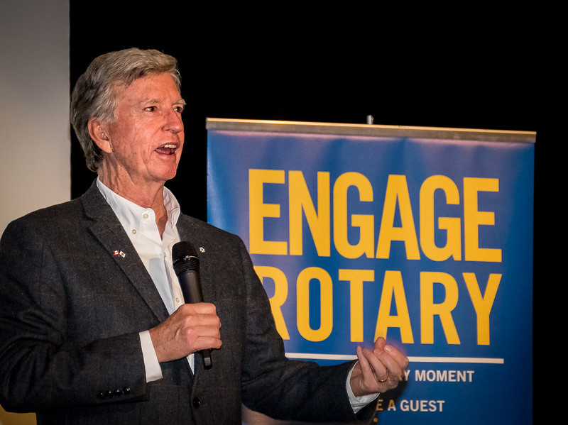 Mark Cullen spoke of Rotary's work in inspiring students, the importance of Service and of giving back.