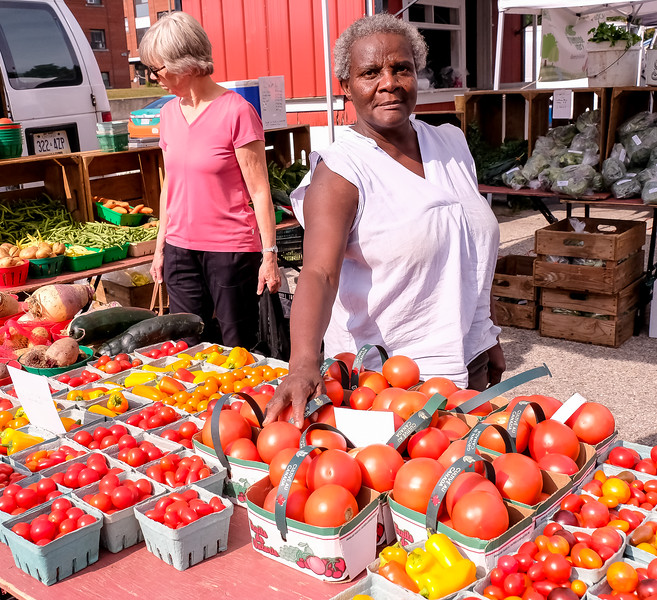 I dropped by especially to pick up some farm fresh tomatoes - they were delicious.