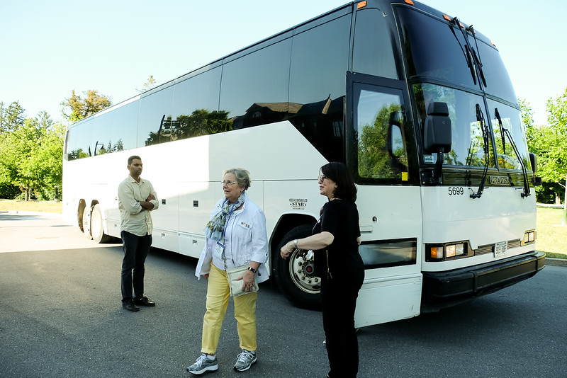 Rotary guests came from the Metro Toronto Convention Centre by bus