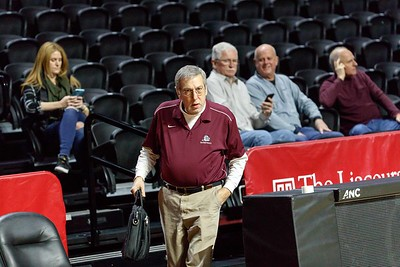 Lower_Merion_BASKETBALL_at_TEMPLE-1