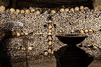 Paris-Catacombs-Dead-2