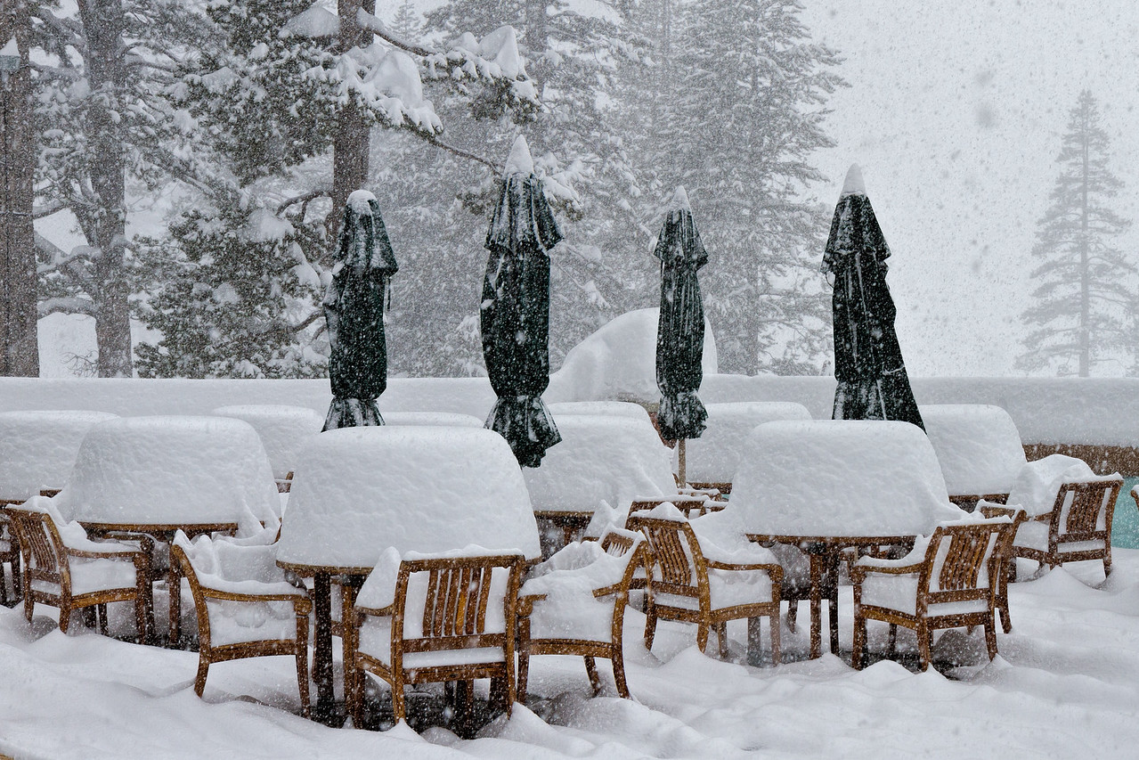 Snowstorm in Squaw Valley - patio