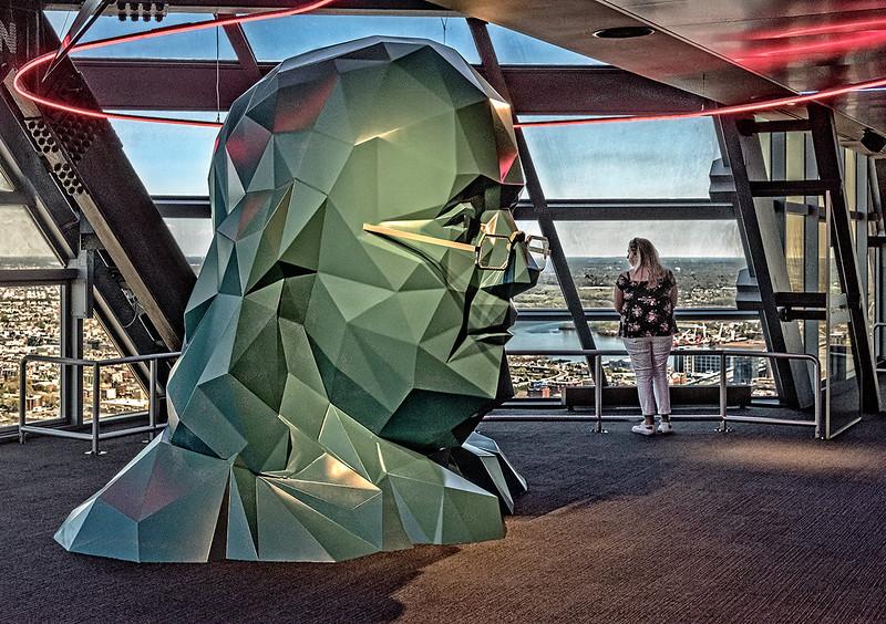 Ben Franklin Sculpture, Observation Deck 2