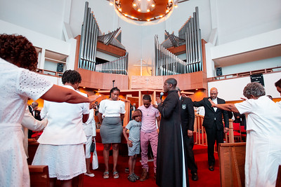 Worshippers gather at Zion Baptist Church at 3600 N Broad Street in North Philadelphia Sunday, August 18, 2019. The congregation gathered Sunday morning only two blocks from the site of a standoff between police and a gunman on the 3700 block of N 15th St. Wednesday evening.